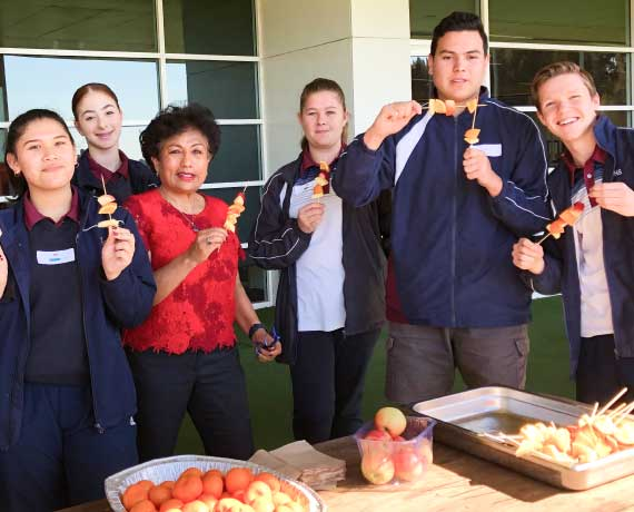 [ARTICLE] A partnership for health: working with schools to promote healthy lifestyle.